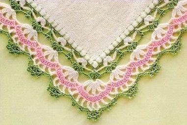 Bordo all uncinetto verde rosa per tovagliette all for Bordure per tovaglie all uncinetto
