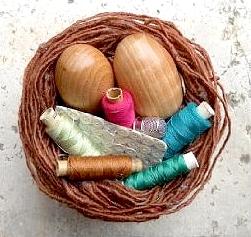 uovo di legno per rammendare