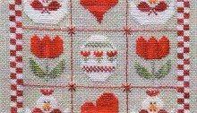 quadrato a punto croce con galline , cuori e fiori