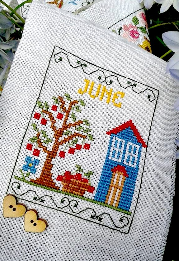 mesi anno- calendario mesi a punto croce