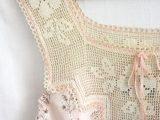 schemi gratuiti per realizzare camicie da notte romanticissime con applicazioni a uncinetto
