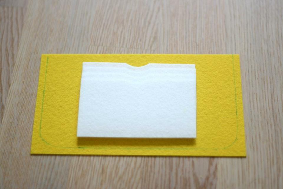 come realizzare un portafoglio in feltro- spiegazioni (14)