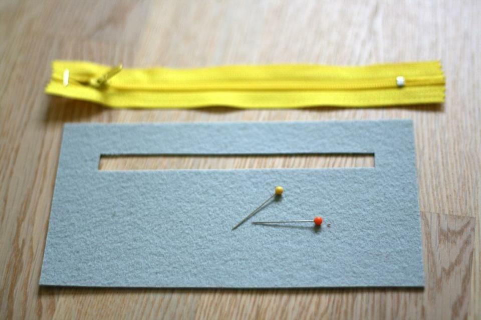 come realizzare un portafoglio in feltro- spiegazioni (18)