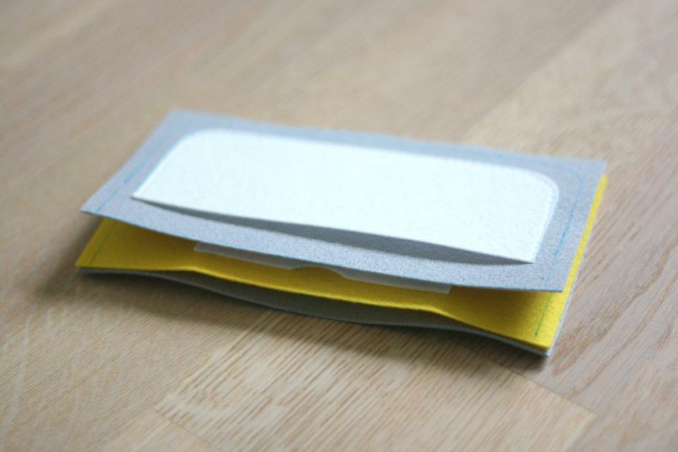 come realizzare un portafoglio in feltro- spiegazioni (7)